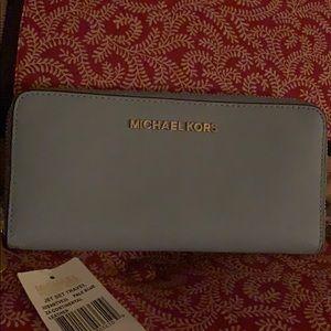 Handbags - Michael Kors Jet Set zip wallet
